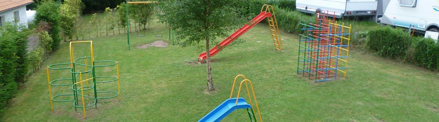 Parque infantil en el Camping