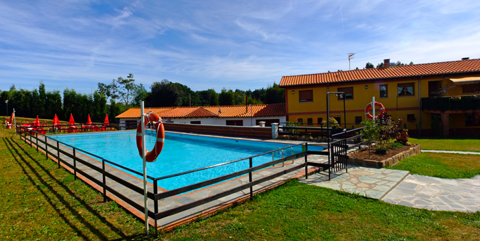 piscina camping villaviciosa