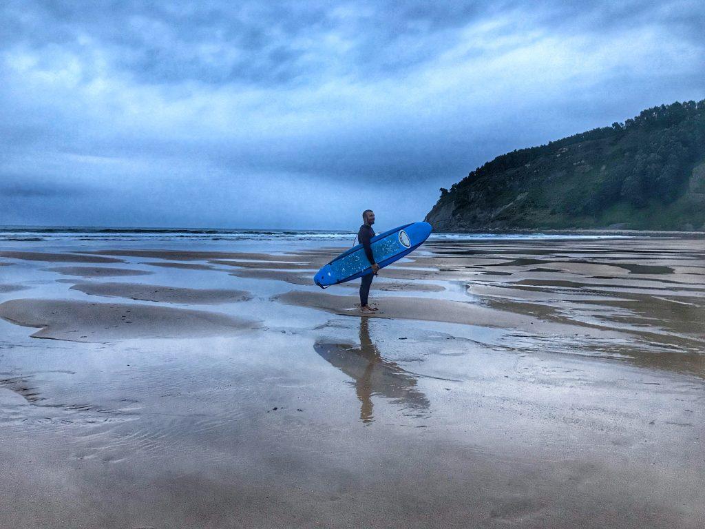 Surf en la Playa de Rodiles, Villaviciosa